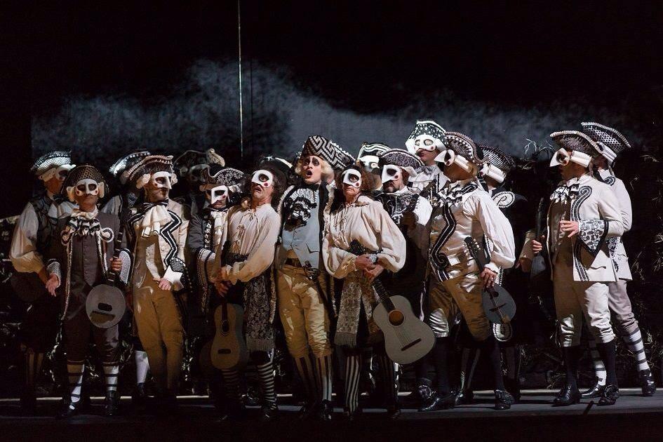 """Il sogno di Vincenzo Nizzardo, """"Don Magnifico"""" nello storico Teatro Verdi di Trieste, dopo il Barbiere di Siviglia del bicentenario a Roma."""