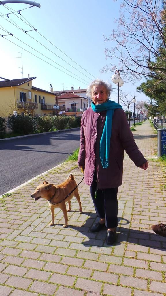 Come vivere felici a 95 anni: peperoncino, un bicchiere di vino e soli cibi fatti in casa.
