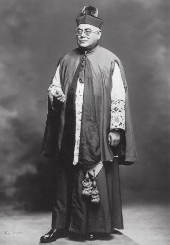 Piccoli cammei di grandi abruzzesi nel mondo  Monsignor Ottavio SILVESTRI  un grande sacerdote abruzzese a Brooklyn.