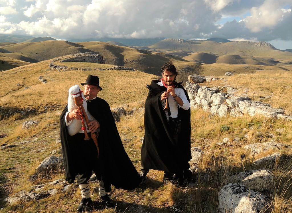 """""""Zampognari mito dell'Abruzzo pastorale""""  In mostra aCastel del Monte (L'Aquila) dal 30 luglio al 10 agosto 2016."""