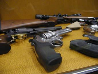 Novità in materia d'armi. Via il Certificato medico per gli operatori delle FF.AA. e dell'Ordine in servizio.