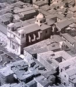 UNA CUPOLA VERA SULLA CATTEDRALE DELL'AQUILA  L'intervista a mons. Antonini, insigne studioso di architettura religiosa e urbana