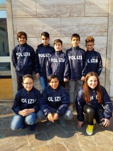 gli studenti che hanno impersonato le scorte morte nelle stragi di Mafia