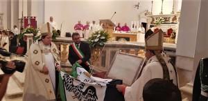 LA PERDONANZA CELESTINIANA: UNA FESTA DELLO SPIRITO  Dai Vespri del 28 agosto a quelli del 29, nella Basilica di Collemaggio in L'Aquila, il primo Giubileo della storia