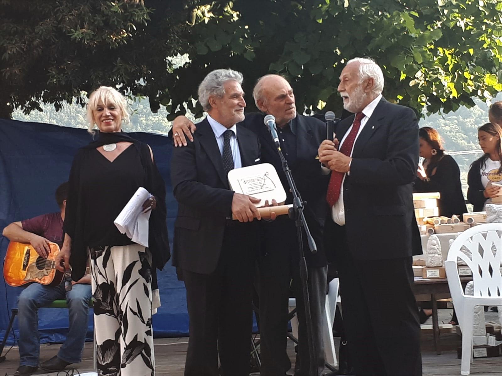 Due importanti riconoscimenti per il Giornalismo a Goffredo Palmerini,  in Campania e Umbria, per l'attività sulla stampa italiana all'estero.