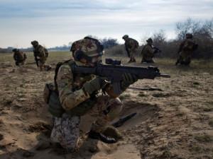 Strani soldati i soldati italiani.