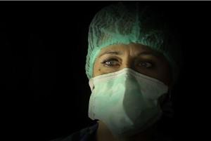 """""""Sguardi da non dimenticare"""". Lo scatto di Marianna, infermiera con la passione per la fotografia, diventa racconto anti-virus…"""