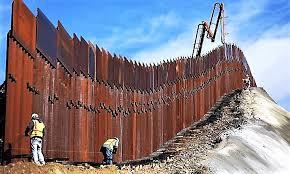 Il muro con il Messico. Immagine tratta dal WEB - il Fogliettone.it
