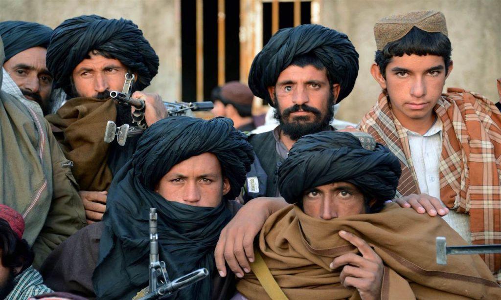 Gli americani lasciano l'Afghanistan e i talebani riconquistano il paese